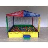 alugar piscina de bolinhas para festa infantil